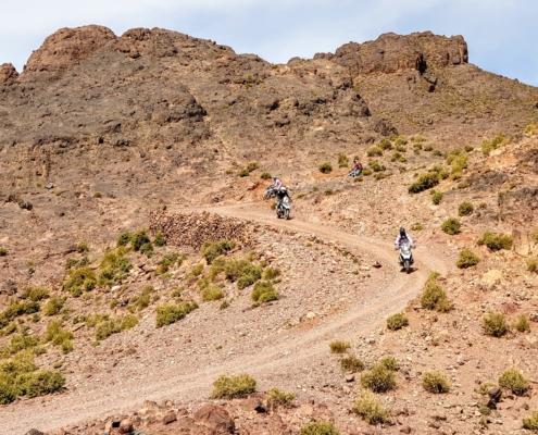 Haarspelden offroad motorrijden in Marokko Atlas op een BMW R 1250 GS huurmotor met BERRT