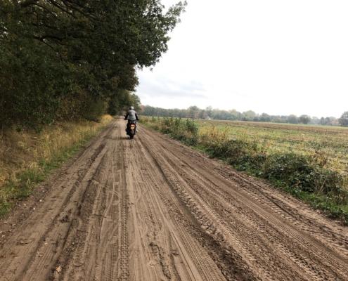 BERRT Driedaagse - Offroad rijden over zandwegen door de mooiste gebieden van Nederland met allroad motorrijders