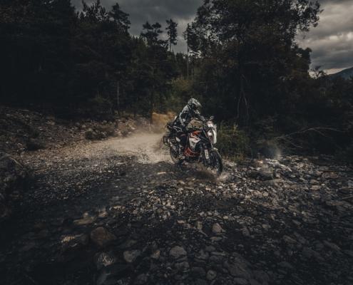 Offroad uitdaging in de Alps Tourist Trophy Maritieme Alpen Italie met BERRT op de allroad motor