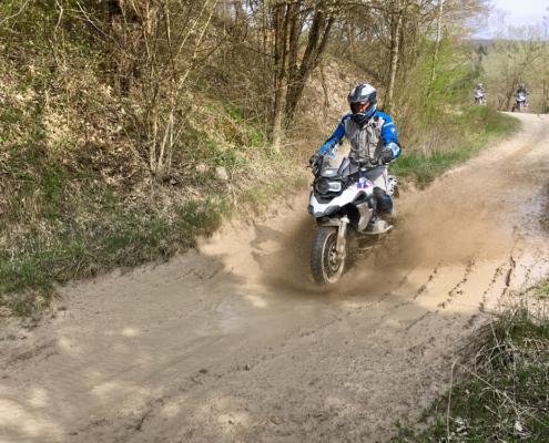 BERRT Hechlingen Intermediate Training offroad met modder in BMW Enduro Park