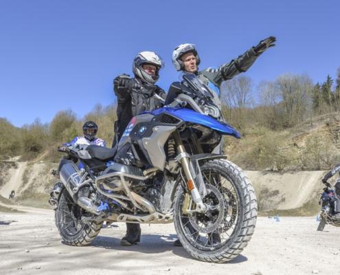 BERRT instructeur bij Hechlingen Intermediate Training offroad motorrijden in BMW Enduro Park