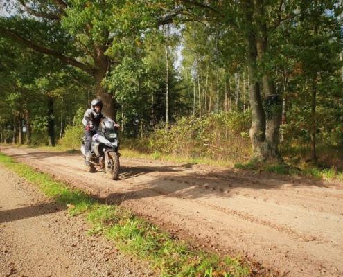 Basis offroad motorcursus voor verhoogde rijvaardigheid met zeer goede begeleiding bij BERRT