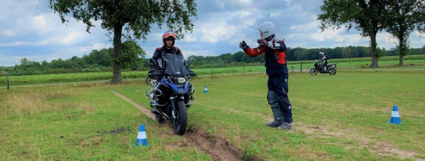 Een basis offroad motorcursus geeft meer vertrouwen voor motorrijden op straat