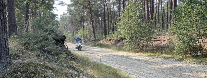 Furstenau Dagrit legaal offroad met BERRT op de Allroad motor in zand en modder