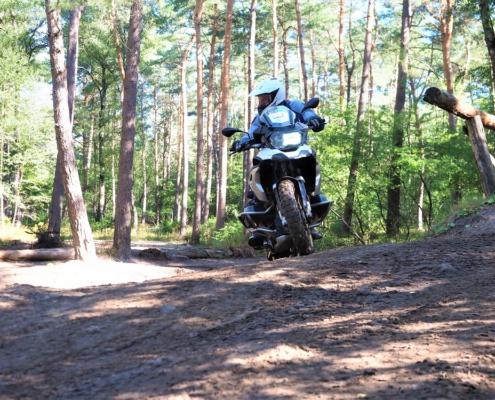 Complexe bochten rijden oefenen in de BERRT Furstenau Advanced Training
